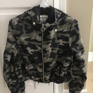 Girls army cropped jacket never been worn